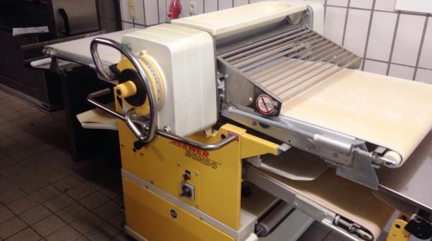 Seewer-Rondo Ausrollmaschine